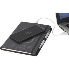 journal avec stylo et chargeur de cellulaire